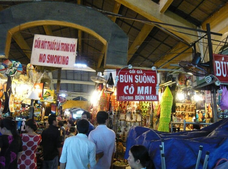 vietnam photos - ho chi minh night market