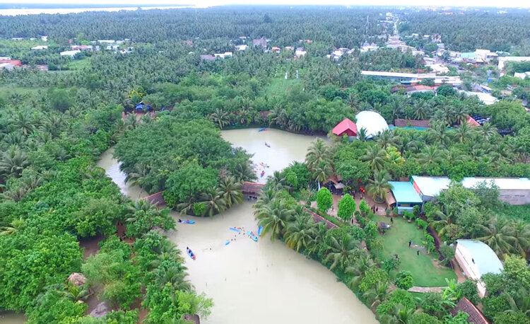 vietnam photos - lan vuong tourist area