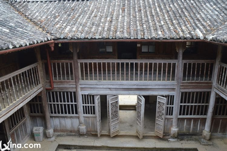 vietnam photos - mansion of the vuong family