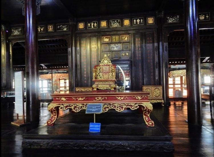 vietnam photos - hue museum of royal antiquities