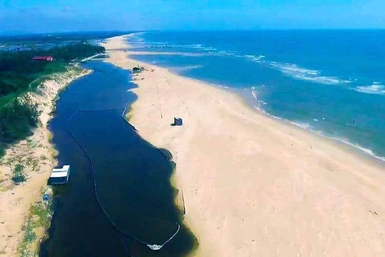vietnam photos - suoi o beach