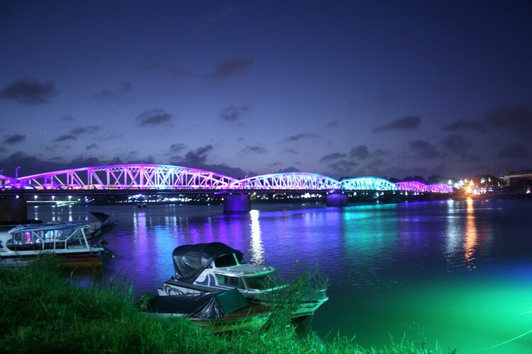 Explore Truong Tien Bridge – The Historical Icon In Huong River, Hue