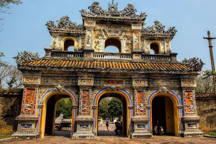 vietnam photos - hien lam pavilion