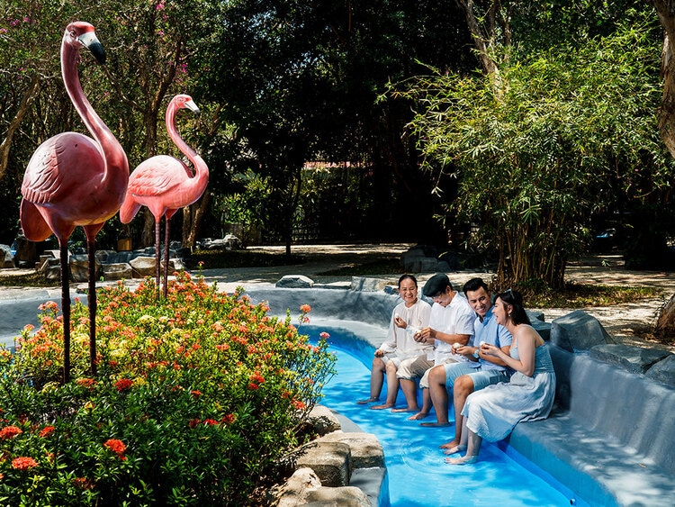 vietnam photos - binh chau hot springs