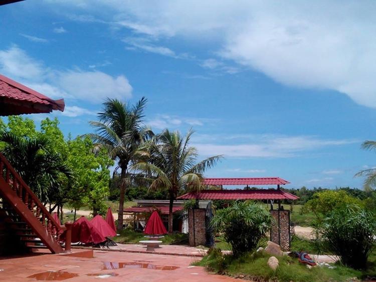 vietnam photos - ngoc vung island