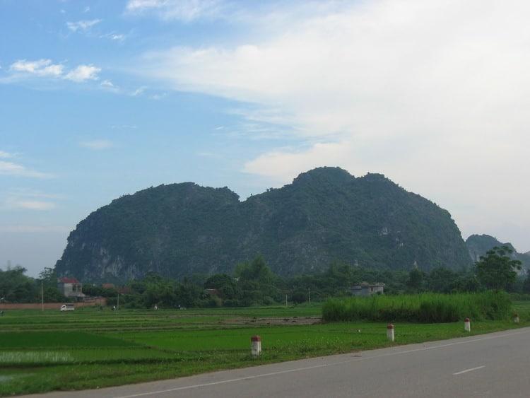vietnam photos - elephant mountain