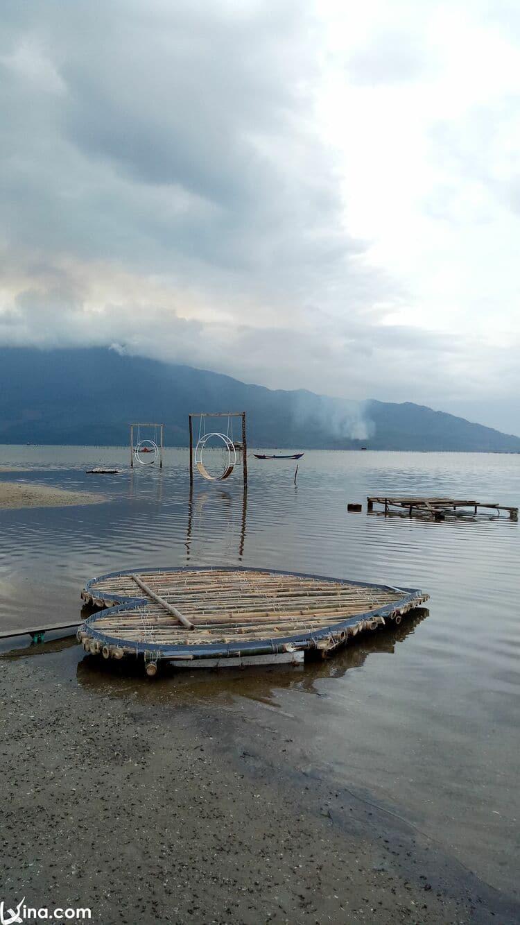 vietnam photos - beautiful lagoons in hue photos