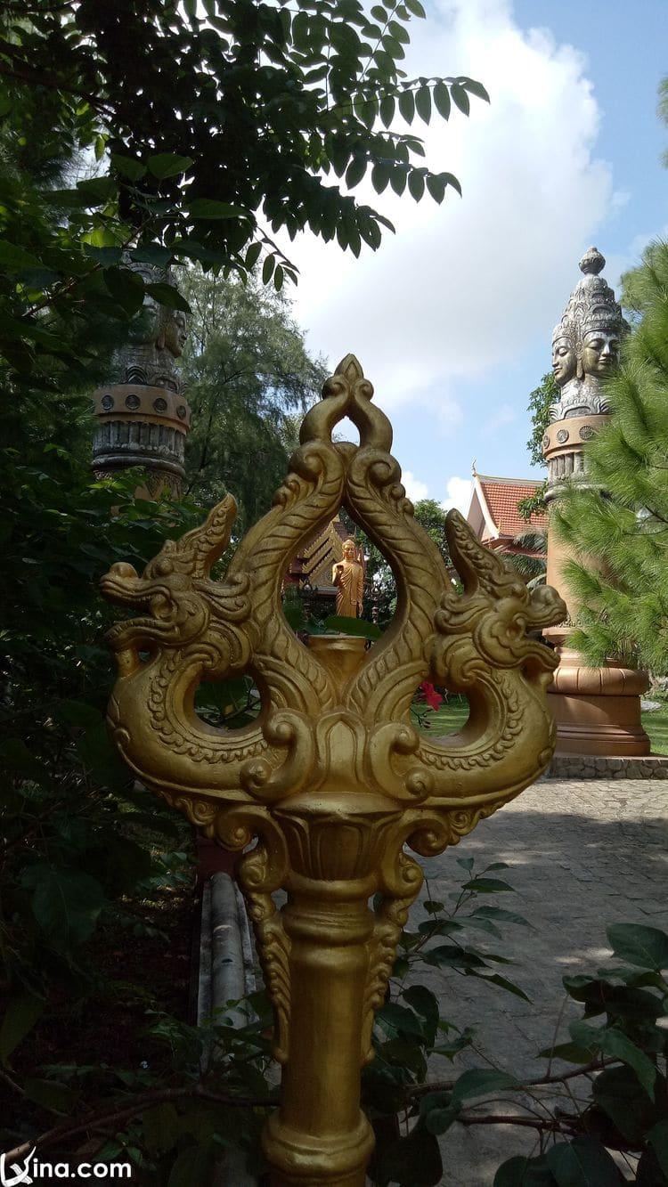 vietnam photos - pagodas in hue photos