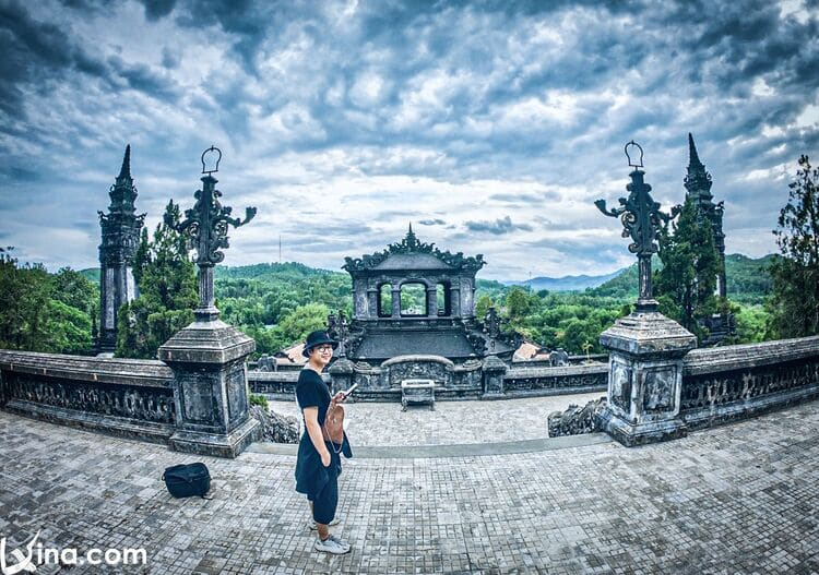 vietnam photos - the complex of hue monuments photos