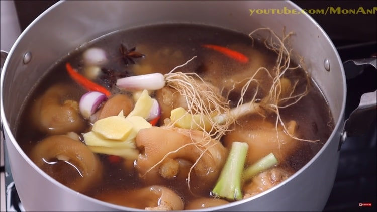 vietnamese braised pork leg in soy sauce recipe