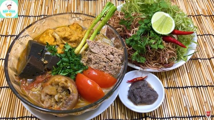 vietnamese crab noodle soup with pork hock recipe