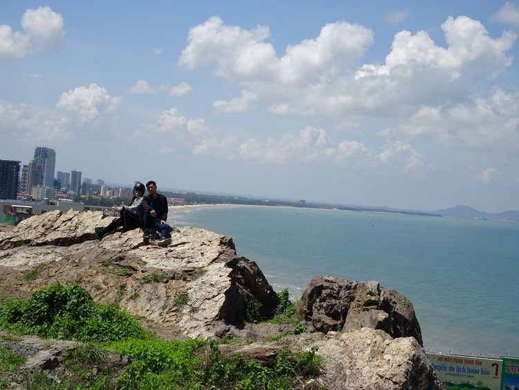 Come to Piggie Hill to Get a Panoramic View of Vung Tau Beach, Vietnam