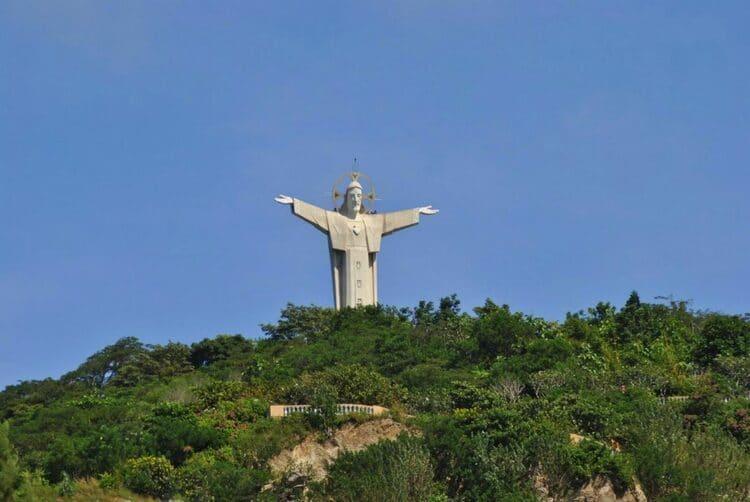 jesus christ's statue in vung tau