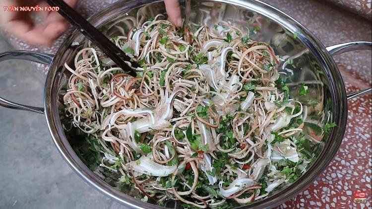 delicious banana flower pig ear salad in vietnam