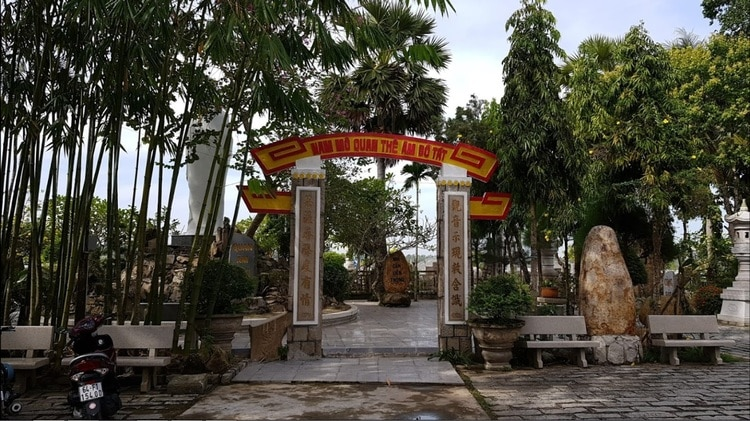 phuoc hau pagoda in can tho