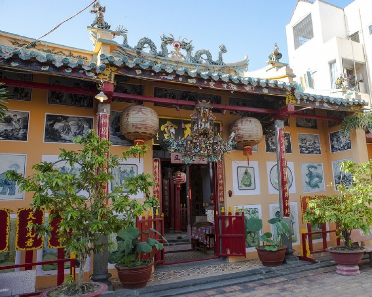 ong pagoda in can tho vietnam