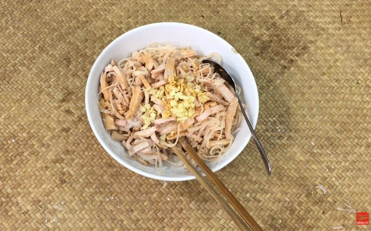 vietnamese thick noodles with coconut cream recipe