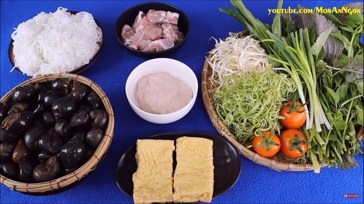 snail rice noodle soup