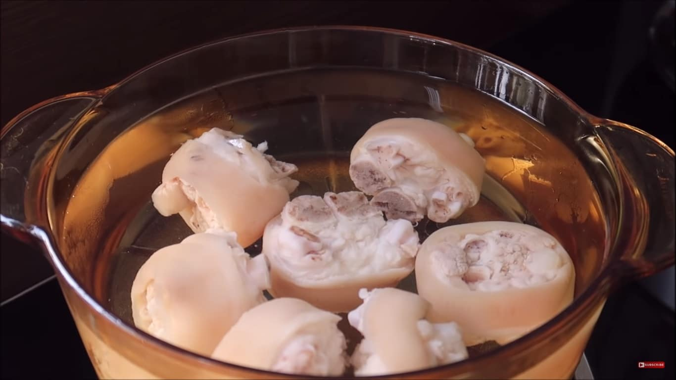 tasty pig trotter soup with lotus seed recipe