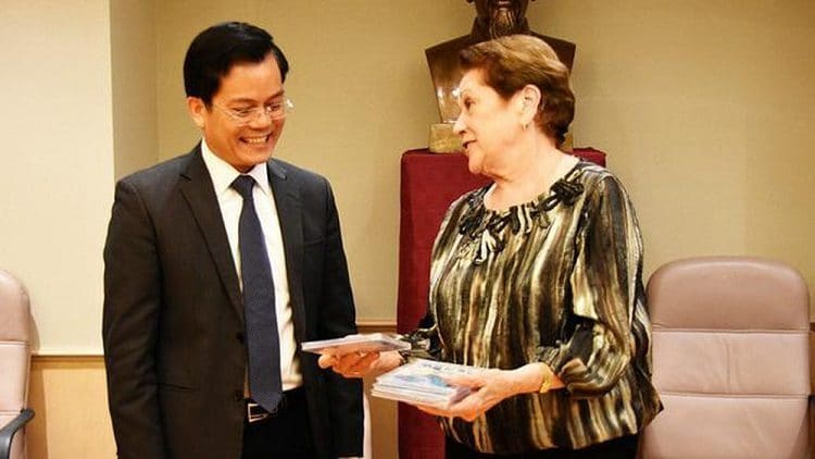 us considers importing vietnam's medical equipment