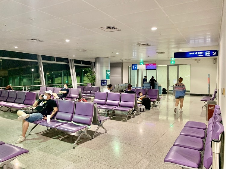 vietnam's aviation, tourism hammered by covid-19
