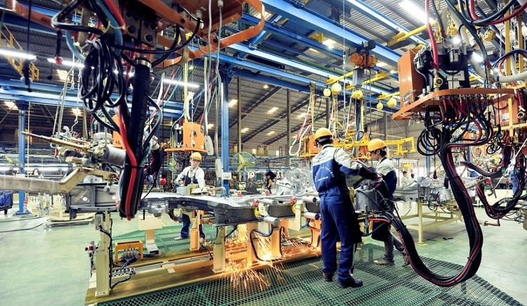 vn auto sector braces for prolonged production upheaval